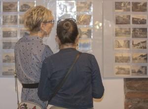 Oglądające wystawę